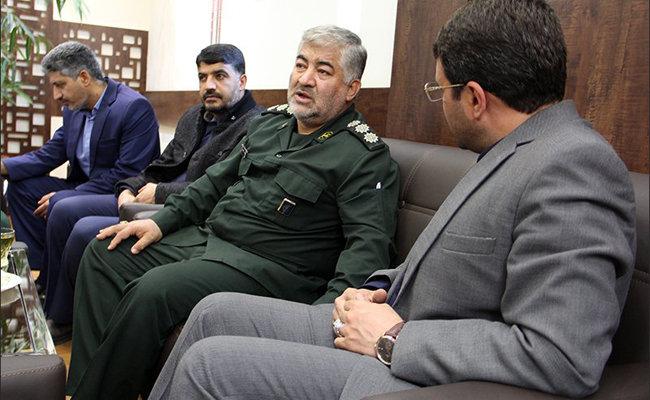 دشمن می داند با ابزار نظامی قادر به مقابله با ایران نیست