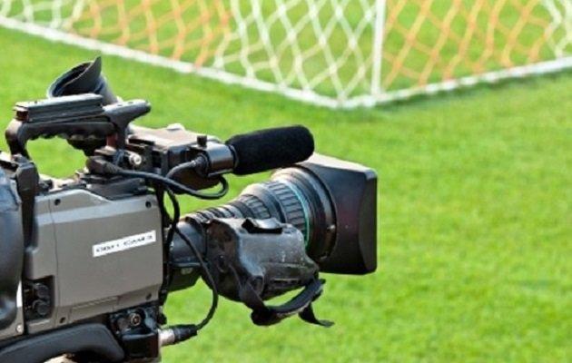 مجلس از باشگاهها برای حق پخش تلویزیونی حمایت میکند