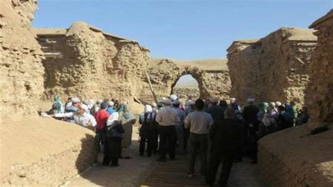 Zoroastrian feast held at archeological site