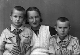 Isfahan holds the photo exhibit of WWII Polish refugees