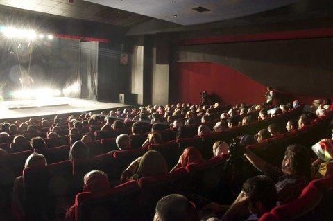 راه اندازی یک تماشاخانه در چهارباغ عباسی