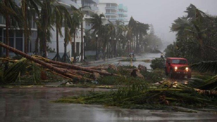 چشم توفان ایرما خاک آمریکا را گرفت!