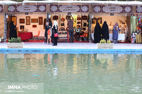 40 thousand tourists visit National Crafts Fair/ Isfahan