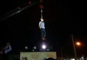 قاتل آتنا اصلانی در ملاءعام اعدام شد + تصاویر