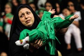 اصفهان، به سوگ شهید شش ماهه نشست...