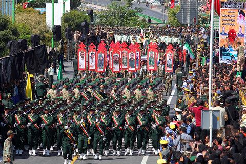 مراسم رژه هفته دفاع مقدس در اصفهان