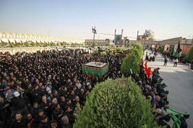 لحظه های انتظار - نصف جهان منتظر حضور شهید حججی در میدان امام (ره)