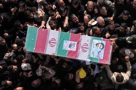 چتر سلامت بر مراسم تشییع پیکر پاک شهید حججی