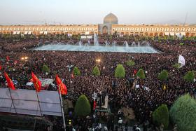 مراسم استقبال از پیکر پاک و مطهر مدافع حرم شهید محسن حججی - میدان امام اصفهان
