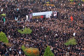 استقبال از پیکر مطهر شهید حججی در میدان امام (ره) اصفهان (۴)