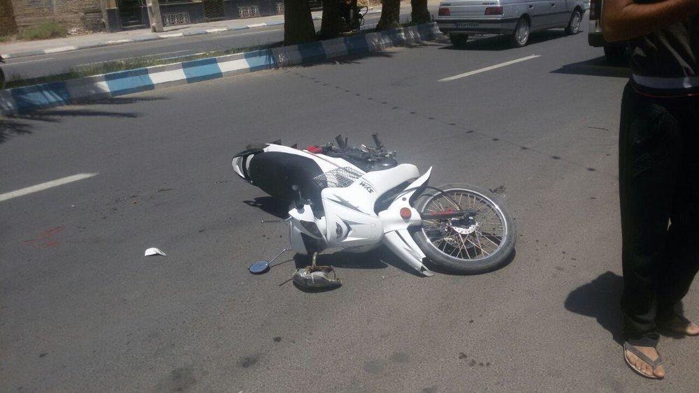 مرگ موتورسوار در برخورد با کامیون روی پل امام خمینی (ره)