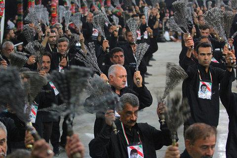 مراسم عزاداری سیدالشهدا (ع) در گلستان شهدای اصفهان