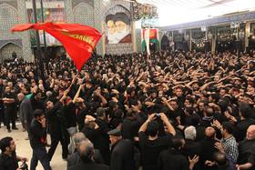 عزاداران حسینی در روز تاسوعا - حسینیه هارونیه