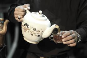 دو سه تا حبه قند و چای حسین