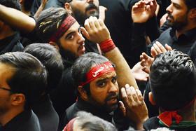 مراسم عزاداری امام حسین (ع) در روز عاشورا