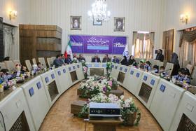 دیدار شهردار اصفهان با مدیر کل بهزیستی و جمعی از کودکان شهر به مناسبت هفته جهانی کودک