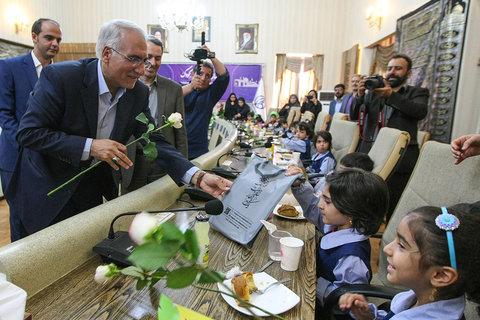 دیدار شهردار با کودکان