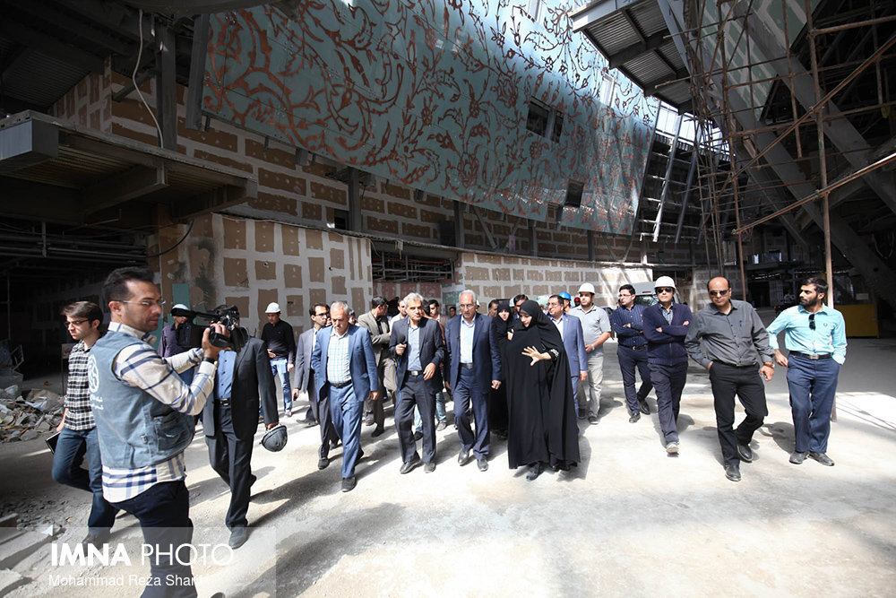 Mayor and councilors visit Int'l Conference Center of Imam Khamenei project in Isfahan