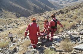 مرگ دختر جوان بر اثر سقوط از کوه در ارتفاعات شمالی نجف آباد