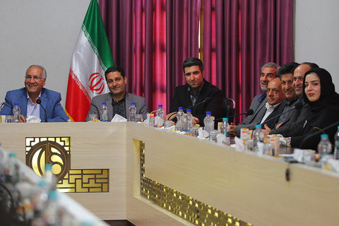 دیدار جمعی از مدیران و پیشکسوتان ورزش با شهردار اصفهان