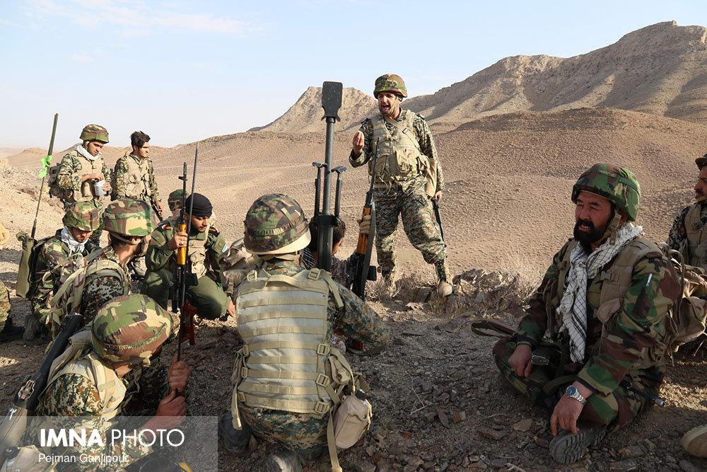 رزمایش مدافعان حرم لشکر 14 امام حسین(ع) در منطقه مورچه خورت برگزار شد