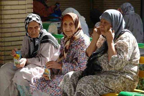 ۱۰۰۰ سالمند اصفهانی خدمات مراقبت خانگی دریافت میکنند