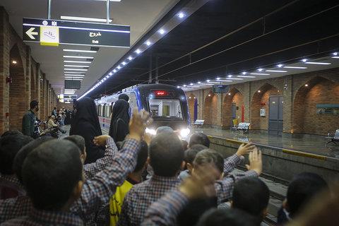 تور مترو گردی و آموزش شهروندی قطار شهری اصفهان
