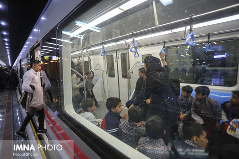 students on metro tour