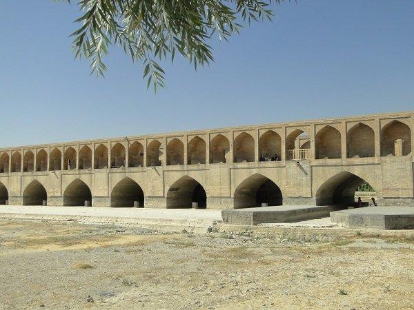 اصفهان، هر روز بیشتر میمیرد!