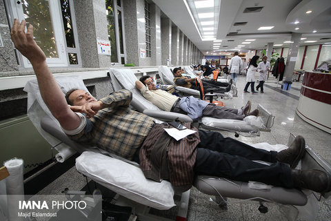 Isfahan People/ donating blood