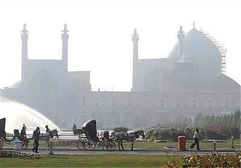 کلانشهر اصفهان ۲۵ روز هوای ناسالم داشت