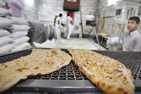 مردم در تنگنای گرانی نان/کیفیت نان در تنور نانوایان می سوزد