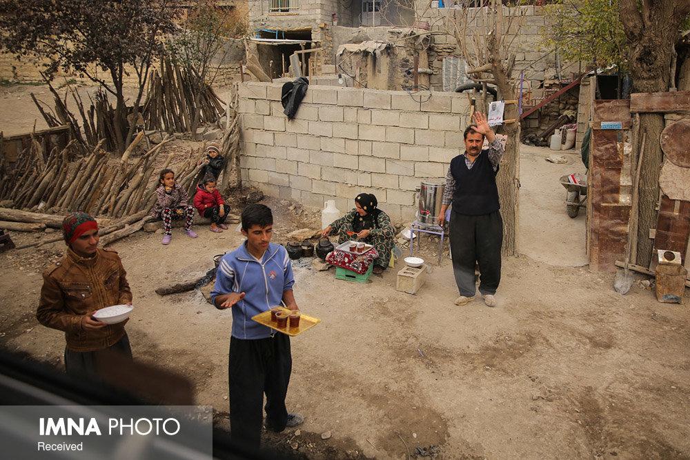 مردم عادی برای کمک به مناطق زلزله زده آذربایجان شرقی نروند
