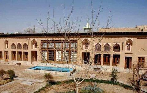 نمایش هنر نساجی در خانه اصیل ایرانی