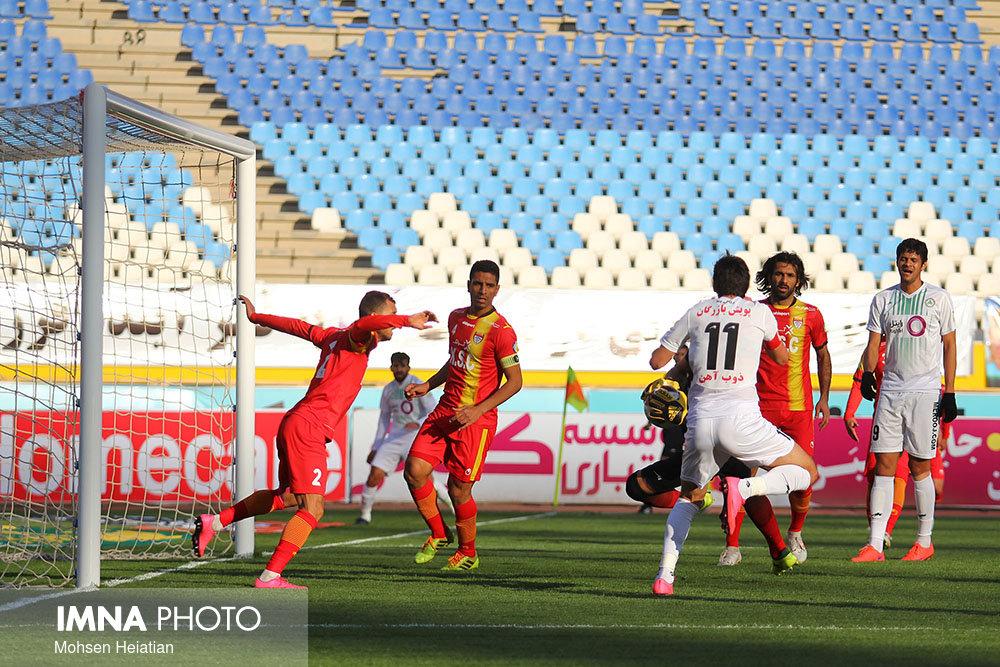 دوست دارم در تیمهای خارجی فولاد بازی کنم/ اصفهان به خوبی میزبانی کرد