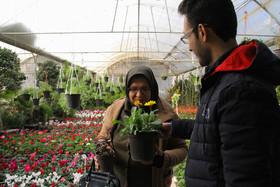 حمایت شهرداری اصفهان از تولیدکنندگان و نفرات برتر حوزه پژوهش گل و گیاه