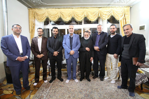 دیدار شهردار اصفهان با خانواده های شهدا و جانبازان 8 سال دفاع مقدس- ۷ آذر ۱۳۹۶