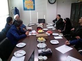 عکس امام خمینی(ره) نباید در قاب غفلت خاک بخورد