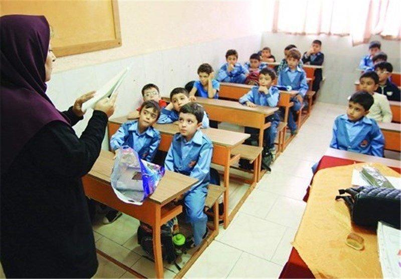 نقل و انتقالات فرهنگیان به پایتخت بسته شد/استمرار خدمت ۵ هزار معلم بازنشسته