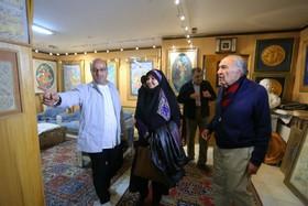 تجلیل از نگارگر و مینیاتوریست پیشکسوت اصفهان