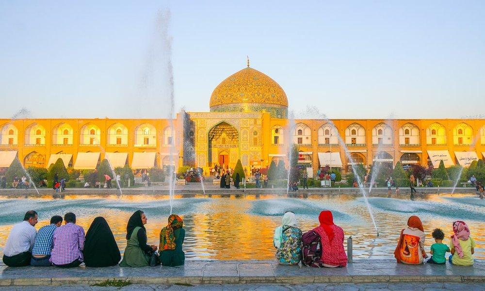 Sheikh Lotfollah Mosque, cozy and symmetrical