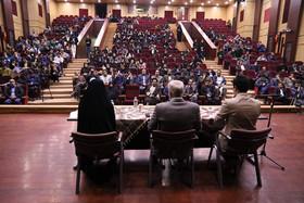 نشست دانشجویی با عنوان «دانشگاه و وعده های دولت»
