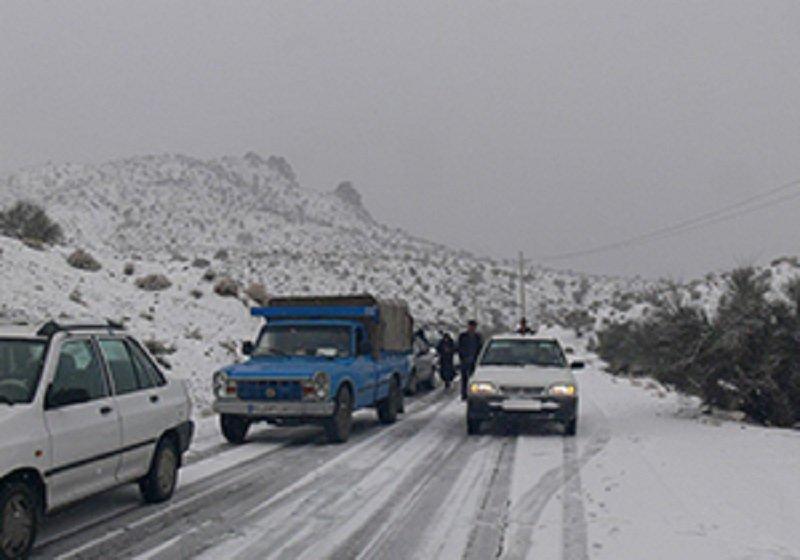 برف و باران در جادههای ۱۰ استان/انسداد فصلی ۵ محور