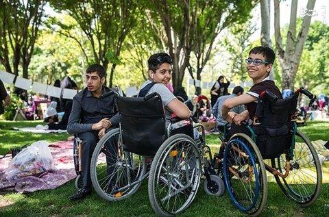 توجه به معلولان نباید به مراسم و روزهای ویژه محدود شود