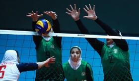 قهرمانی والیبالیستهای دختر واحد اصفهان در مسابقات دانشجویان استان