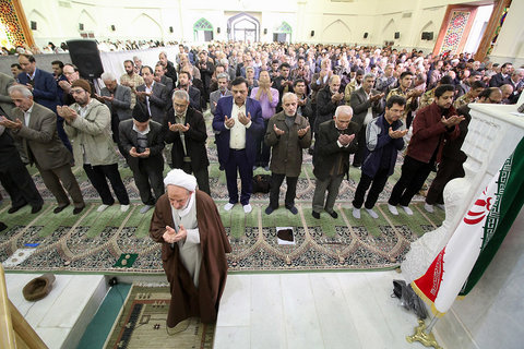 نماز جمعه سپاهان شهر با حضور نایب رییس شورای شهر