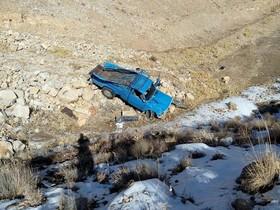 سقوط خودروی نیسان در سمیرم ۲ مصدوم برجای گذاشت+تصاویر
