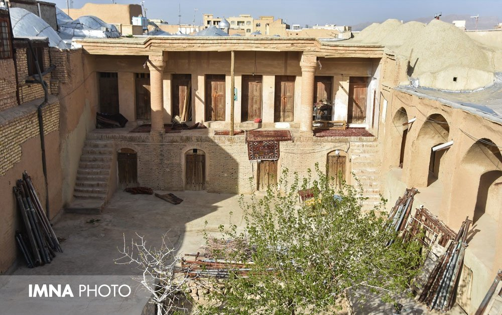 Restoration operations of Shahreza's historical bazaar started