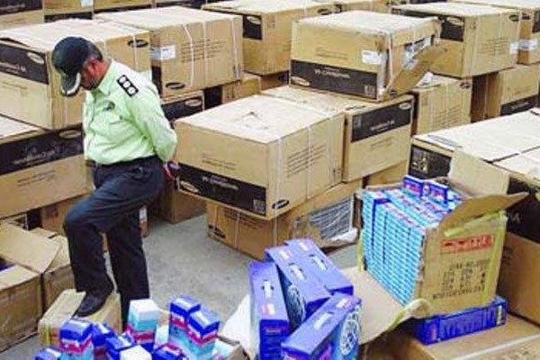 کشف محموله یک میلیارد ریالی کولر گازی قاچاق در لنجان