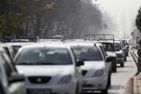 خرابی یک دستگاه خودرو تردد در بزرگراه صیاد شیرازی را کند کرد